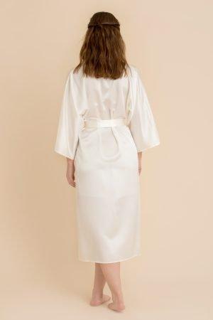 Kimono i silke i farge offwhite